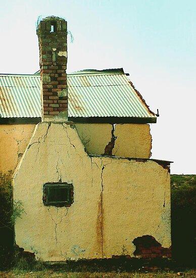Ou plaasopstal – Old farmstead by Rina Greeff