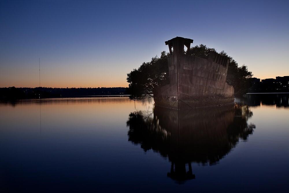 Homebush Ship Wreck by damienlee
