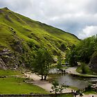 Dovedale Stepping Stones and Thorpe Cloud. by Darren Burroughs