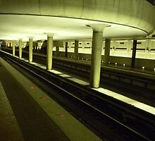 Waiting on the Metro by Mannabelles