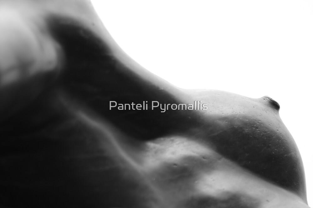 Femmina by Panteli Pyromallis