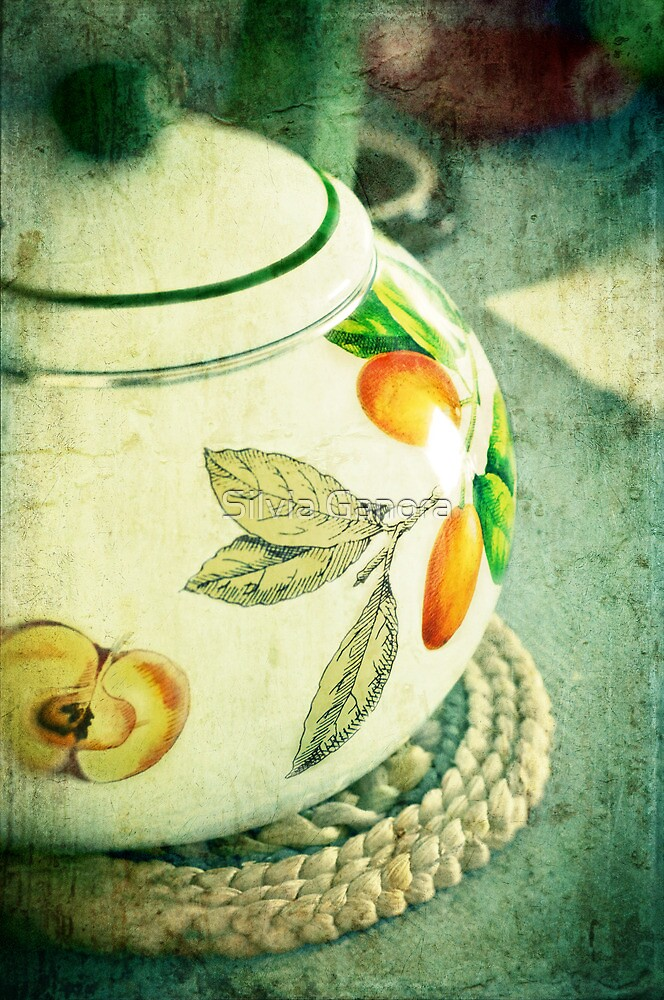 My kettle by Silvia Ganora