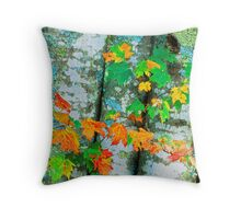 MAPLE TREE,AUTUMN Throw Pillow