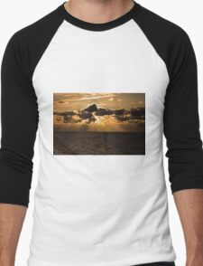 Sunset over the north sea Men's Baseball ¾ T-Shirt