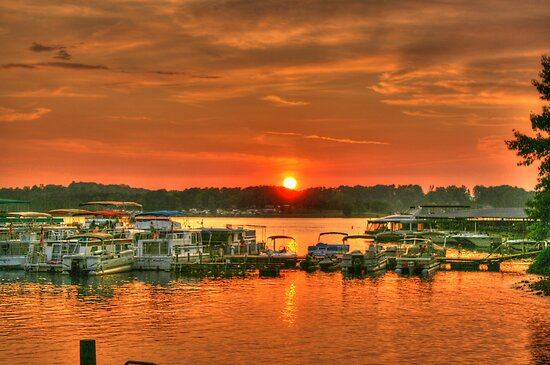 Sundown at the Marina by Chelei