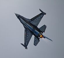 F16 Fighting Falcon by PhilEAF92
