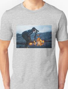 Charmander burning the hell out of a photographer T-Shirt