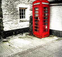 Hidden telephone Box by GaryK Photography