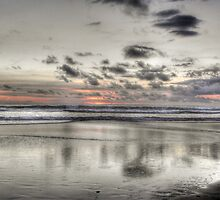 Another gorgeous sunset on Kariotahi Beach... by Wenz