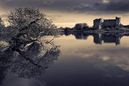 Castle On The Lake by PShellard