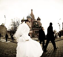 Bride in Red Square by ovalbuena