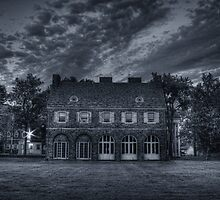 Hayfield House (side view) July 2011 by Aaron Campbell
