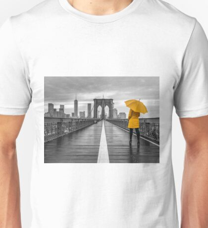 Tourist on Brooklyn bridge Unisex T-Shirt