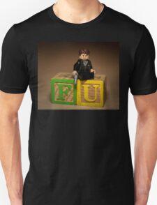 Frank Underwood on blocks with Gun Unisex T-Shirt