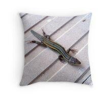 Lizard. Throw Pillow