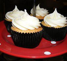 polka dott cupcakes by Littlered1990