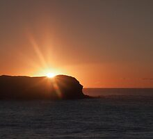 Sunburst over Cook Island by Odille Esmonde-Morgan