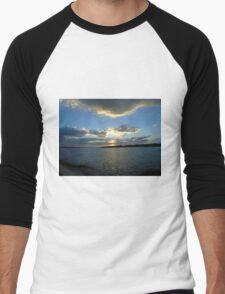 Dusk along Attica coastline Men's Baseball ¾ T-Shirt