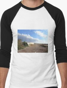 fishing boat on beach Men's Baseball ¾ T-Shirt