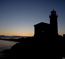 Coquille Lighthouse  by LucyAbrao