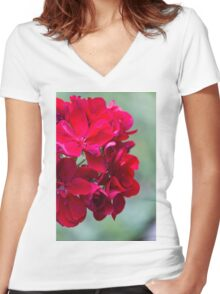geranium in the garden Women's Fitted V-Neck T-Shirt