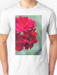 geranium in the garden Unisex T-Shirt