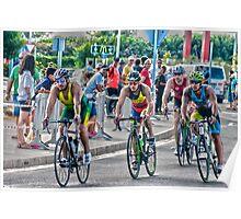 Triatletas en bici Poster
