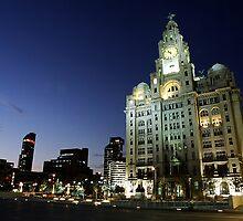 Liver Building at night by Manuel Gonçalves