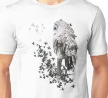Barred Owl Shirt - Keeping an eye out. Unisex T-Shirt