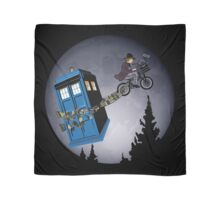 Fourth Doctor Fly With Bicycle Scarf