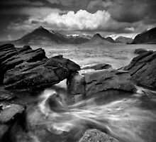 Scotland: Land of Giants by Angie Latham