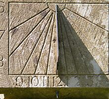 Sun Dial at Greenbank Gardens by ElsT