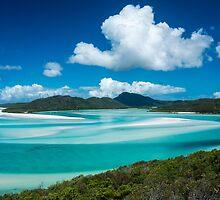 A white Whitsunday paradise by JesseShawPhotos