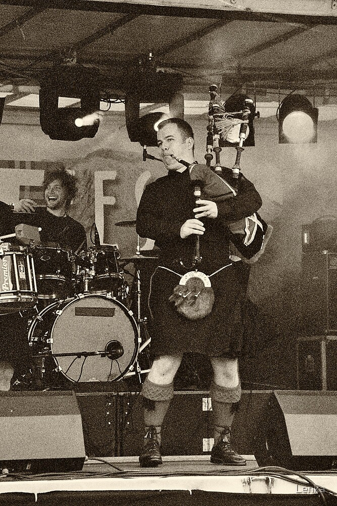 Red Hot Chilli Pipers (1) by Lenka