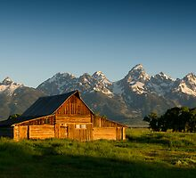Thomas Moulton Barn by Wil Bloodworth