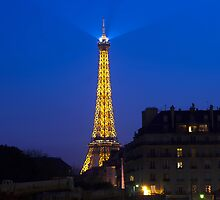 Eifel Tower in the Evening by 7horses