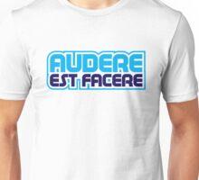 Spurs Latin Motto T-shirt Unisex T-Shirt