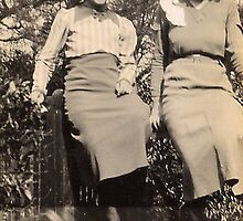 1930s My aunt and mum by Woodie