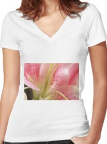 oriental lily Women's Fitted V-Neck T-Shirt