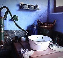 Doin' the dishes by Myriam van Essen