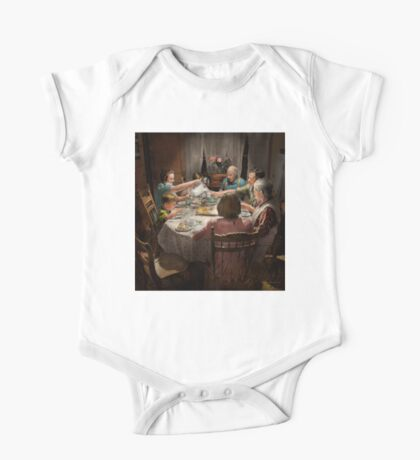 Family - Home for the holidays 1942 One Piece - Short Sleeve