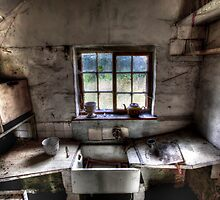 The Old Kitchen Sink by geoff curtis