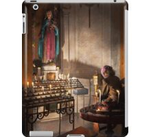 WWII - I'll pray for you 1944 iPad Case/Skin