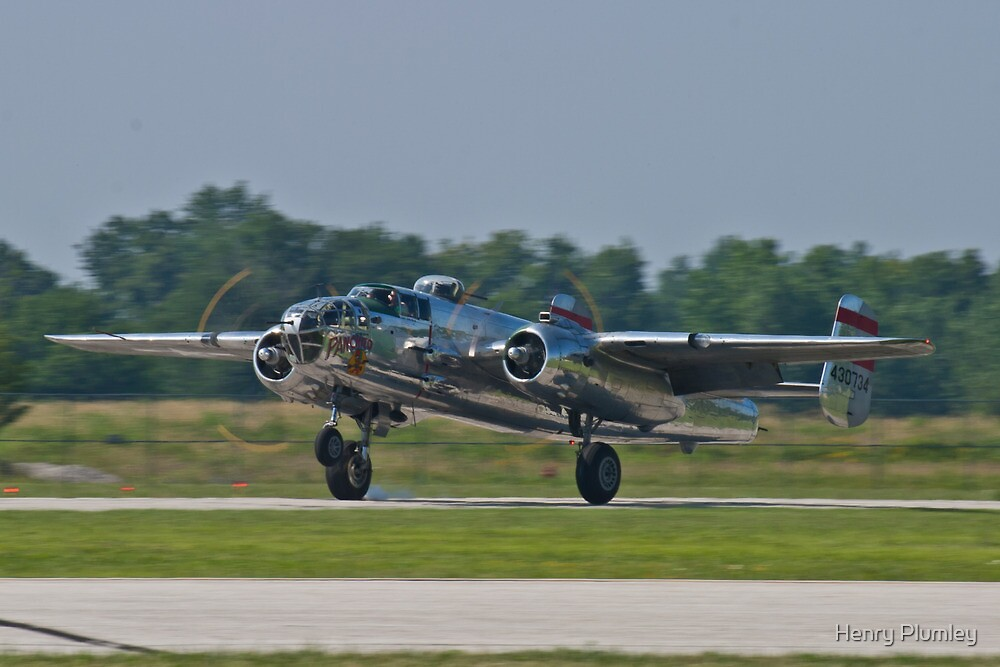 44-30734 1944 North American B-25N Mitchell lands by Henry Plumley