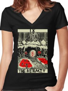 Tarot: The Hermit Women's Fitted V-Neck T-Shirt