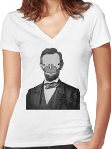 Choomah Lincoln Women's Fitted V-Neck T-Shirt