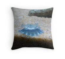 Upside down, Inside out Throw Pillow