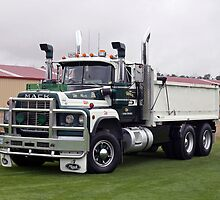 Mack 500 by PaulWJewell