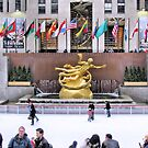Ice skating rink at Rockefeller Center by kaine23