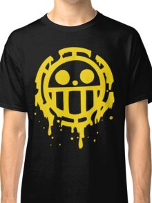 Heart pirates trafalgar law one piece Classic T-Shirt